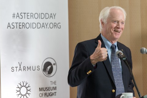 Apollo 9 astronaut Rusty Schweickart at the briefing. Credit: Tim Trueman