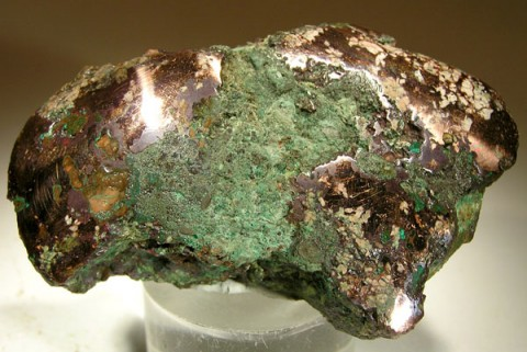 A glacially rounded copper nugget, as an example of the raw material worked by people of the Old Copper Complex. Photo by Rob Lavinsky (CC BY-SA 3.0).