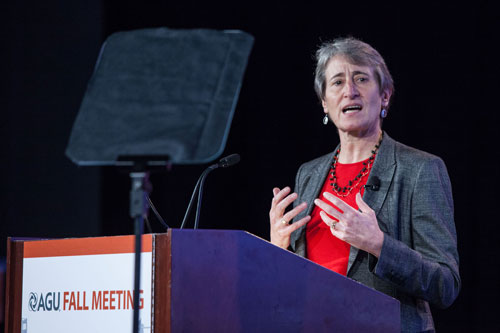 U.S. Secretary of the Interior Sally Jewell delivers the Union Agency Lecture at the 2014 AGU Fall Meeting. Credit: Gary Wagner