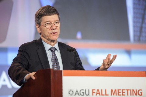 Jeffrey Sachs, director of the Earth Institute at Columbia University, talks about the unique role geoscientists can play in reducing climate threats. © Gary Wagner Photos