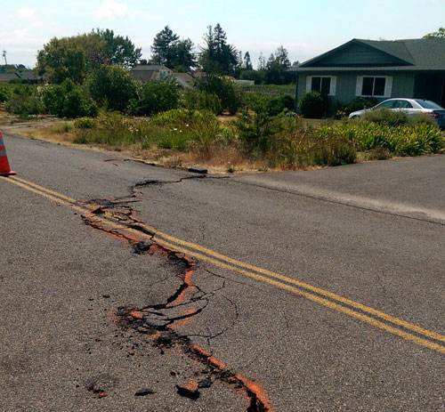 Damage in Napa, Calif., after the Mw = 6.0 South Napa earthquake, which shook the region on 24 August 2014. Credit: Austin Elliott