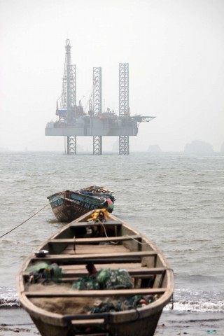An offshore oil production platform off the coast of Cameroon. Credit: Carsten ten Brink, CC BY-NC-SA 2.0