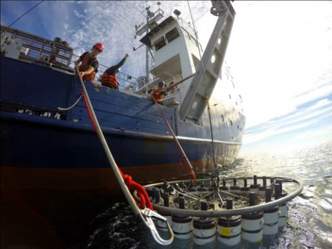 Researchers board the R/V New Horizon recover a conductivity-temperature-depth sensor. The mission, part of the California Cooperative Fisheries Investigation (CalCOFI), studies the marine environment, resources, and climate change effects off the coast of California. Now retired from the UNOLS fleet, the New Horizon was operated by the Scripps Institution of Oceanography. Credit: James Wilkinson/SIO CalCOFI
