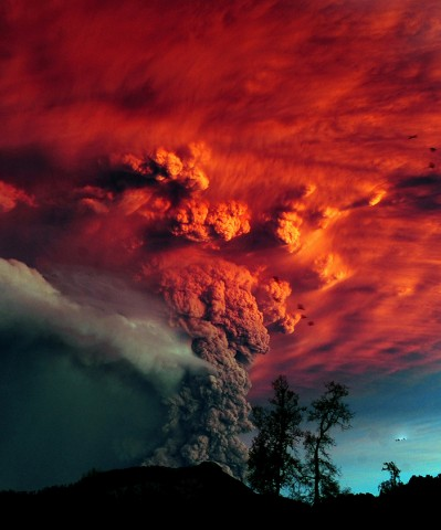 Ash billows from Puyehue volcano in southern Chile on 5 June 2011, the day after the volcano erupted for the first time in 50 years, prompting evacuation of 3500 people. Ash from the eruption reached Argentina. Credit: AFP Photo/Claudio Santana