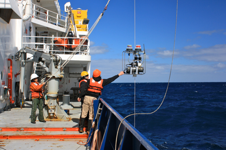 Increasing access to field sciences data and samples, such as those collected during a 2012 research cruise to explore the biological, chemical, and physical properties of a Southern Ocean phytoplankton bloom, will move science forward by facilitating reproducibility of results and reuse of data. Credit: Rebecca Fowler