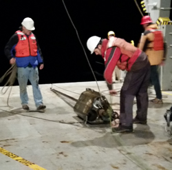 Crew recovers a heat flow probe during STINGS experiment