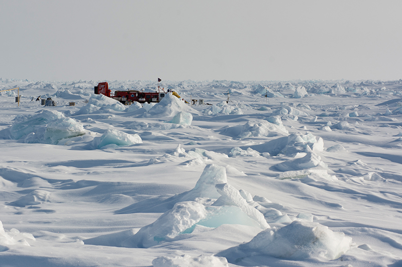 Hovercraft-based Arctic sea ice drift research station in late May