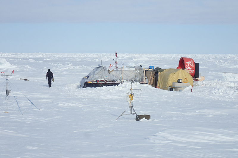 Hovercraft-based Arctic sea ice drift research station in early May
