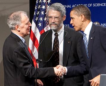 Ralph Cicerone (left) shaking hands with President Barack Obama. White House science adviser John Holdren is in the center.