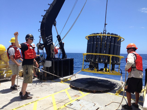 Deploying conductivity-temperature-depth instruments from R/V Oceanus for Hawaii Ocean Time-Series cruise 284 in May 2016
