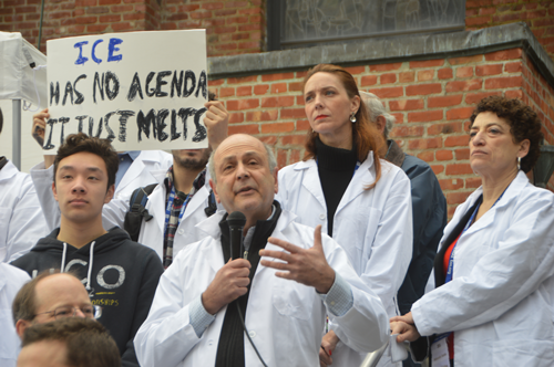 speakers-at-science-support-rally
