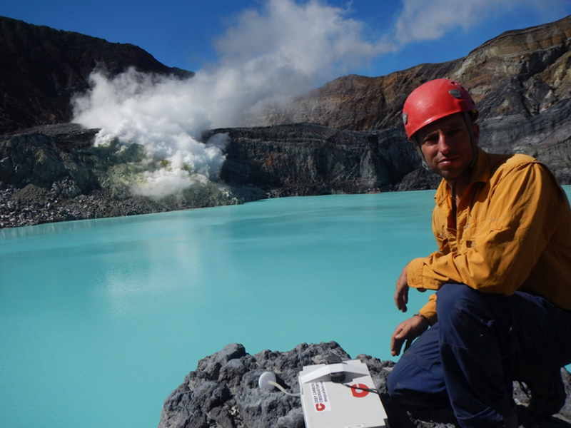 Researcher measures carbon and sulfur at Poás Volcano, Costa Rica