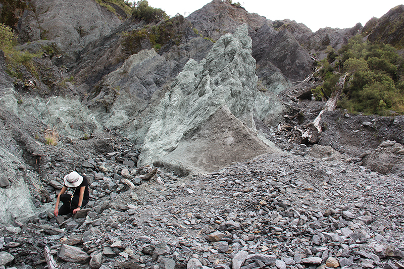 Researchers analyze core samples to spot the impact of mineral precipitation on the permeability and strength of the Alpine Fault