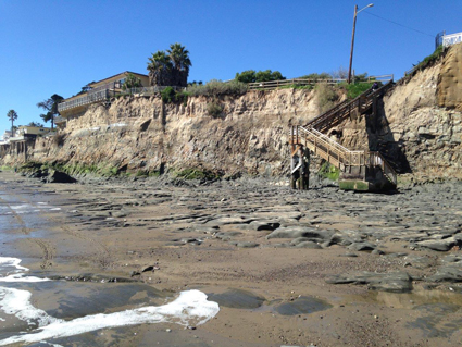 Exposed bedrock on the beach during very low (negative) tide at Isla Vista, California, in February 2017.