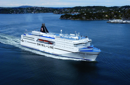 While sailing across the North Atlantic, the high-seas ferry M/S Norröna collects valuable data on ocean currents.