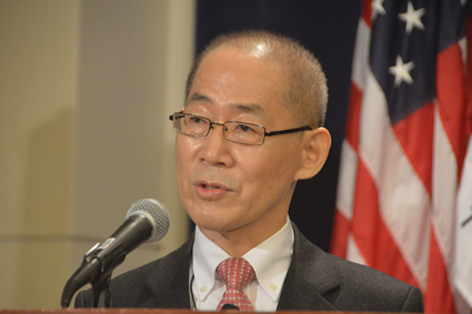 IPCC chairman Hoesung Lee discussed climate change and the group's upcoming reports on 30 October in Washington, D. C.