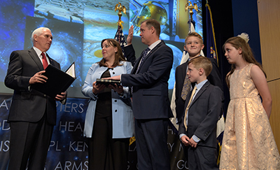 Jim Bridenstine sworn in as NASA administrator