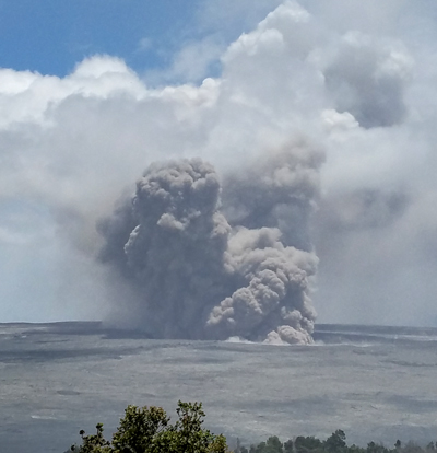 kilauea-ash-plume-20-may-2018