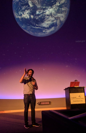 Sanjoy Som gives public talk about the Precambrian Earth and astrobiology.