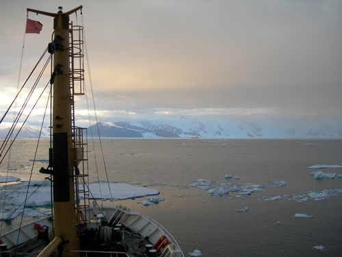 A view from the deck of the OGS Explora during its 2017 expedition to the Ross Sea.