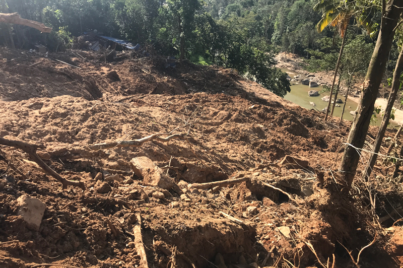 A landslide in Panniyarkutty, India that destroyed several houses and killed five people.