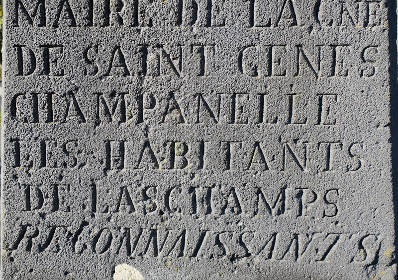 Part of the monument currently erected on the church square of the village of Laschamps