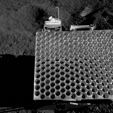 Black-and-white image of a retroreflector on the Moon