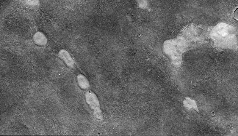 Detailed images of mud volcanoes in Mars's Acidalia Planitia