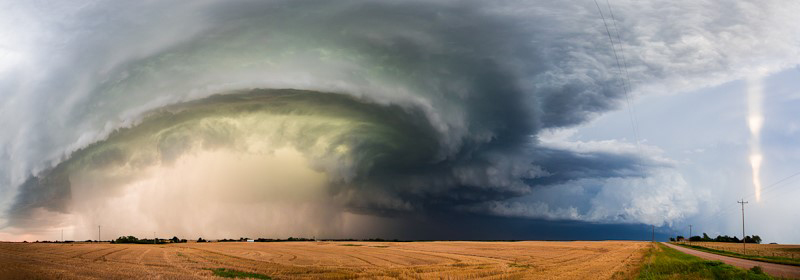 Photograph of a supercell thunderstorm near Kingfisher, Oklahoma