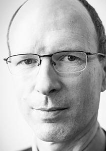 Jeroen Aerts, winner of AGU's 2019 Gilbert F. White Distinguished Award